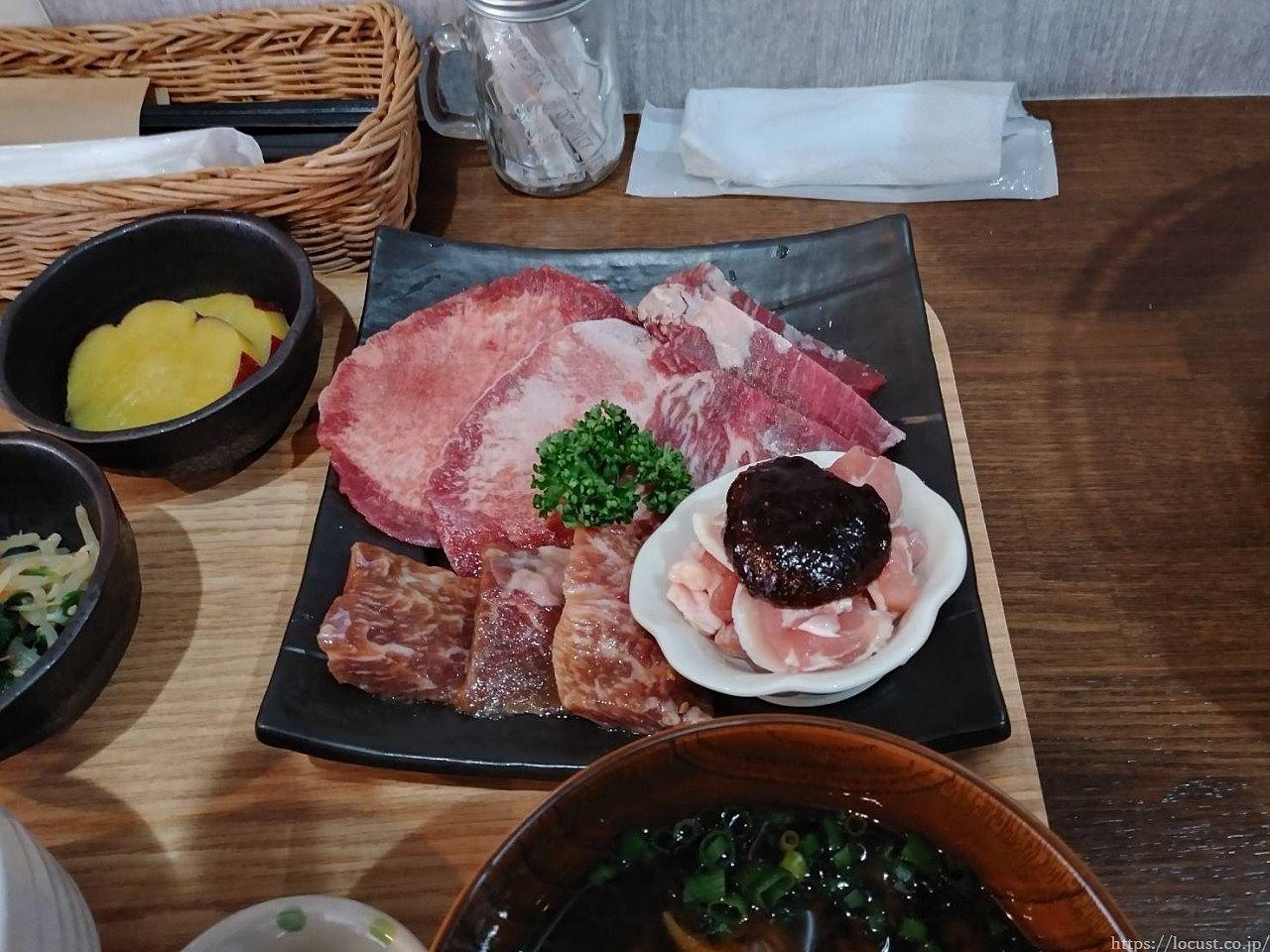 東浦町森岡 旨焼肉一(いち)の焼肉ランチ1000円(税別)は、ご飯おかわり無料!