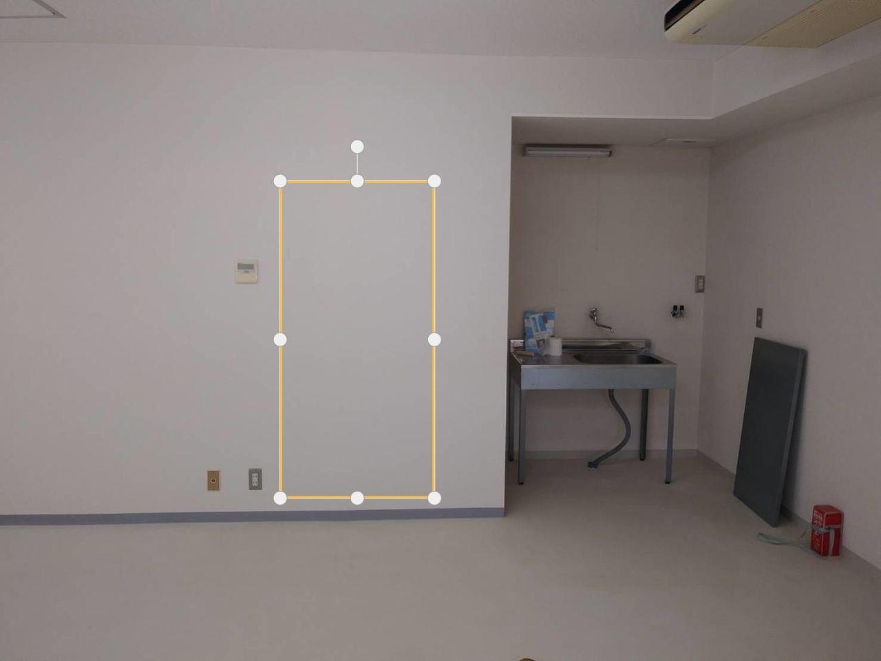 あなたの事務所、トイレの扉の位置が使いにくいと不評じゃありませんか?トイレの音漏れ防止工事をしました。