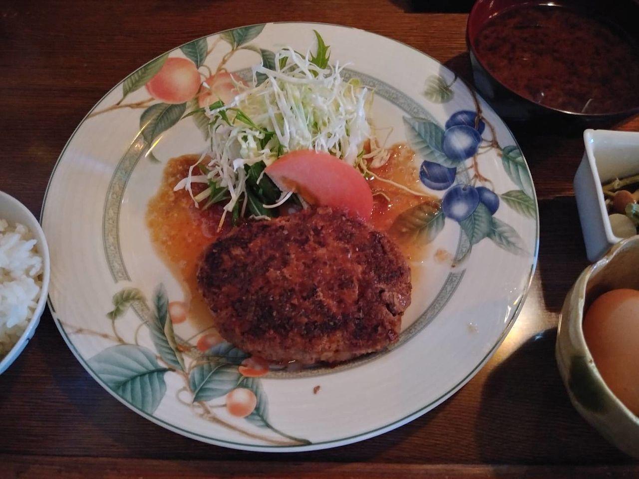 柔らかくて本格的な知多牛ハンバーグがイチオシメニュ!