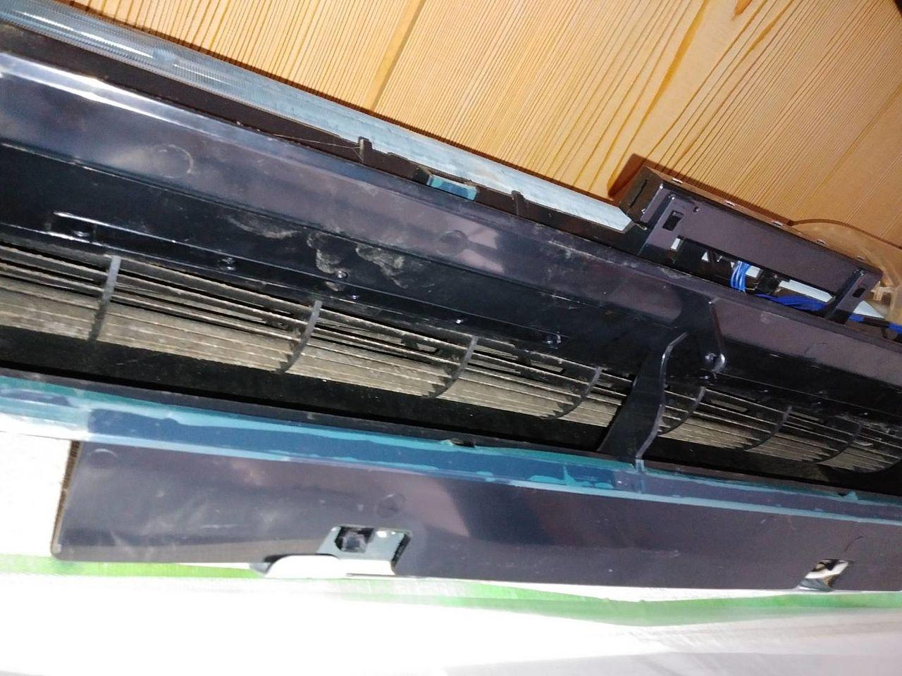 フィルターの小まめな清掃は、エアコンの維持に大切なことです。