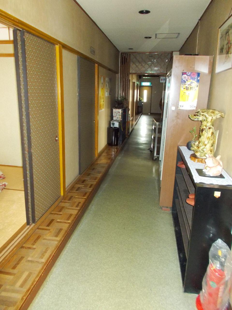 普段は大小で6部屋程に仕切られています。