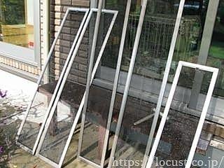 汚れた網戸を通り抜ける空気は、フィルターが汚れたままの空気清浄機を使い続けるようなものです。