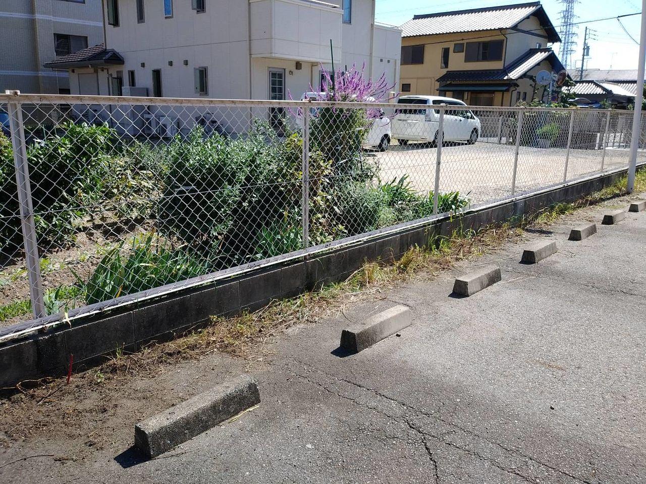 溝にたまった土は後日取り除きます。がんばるぞ!